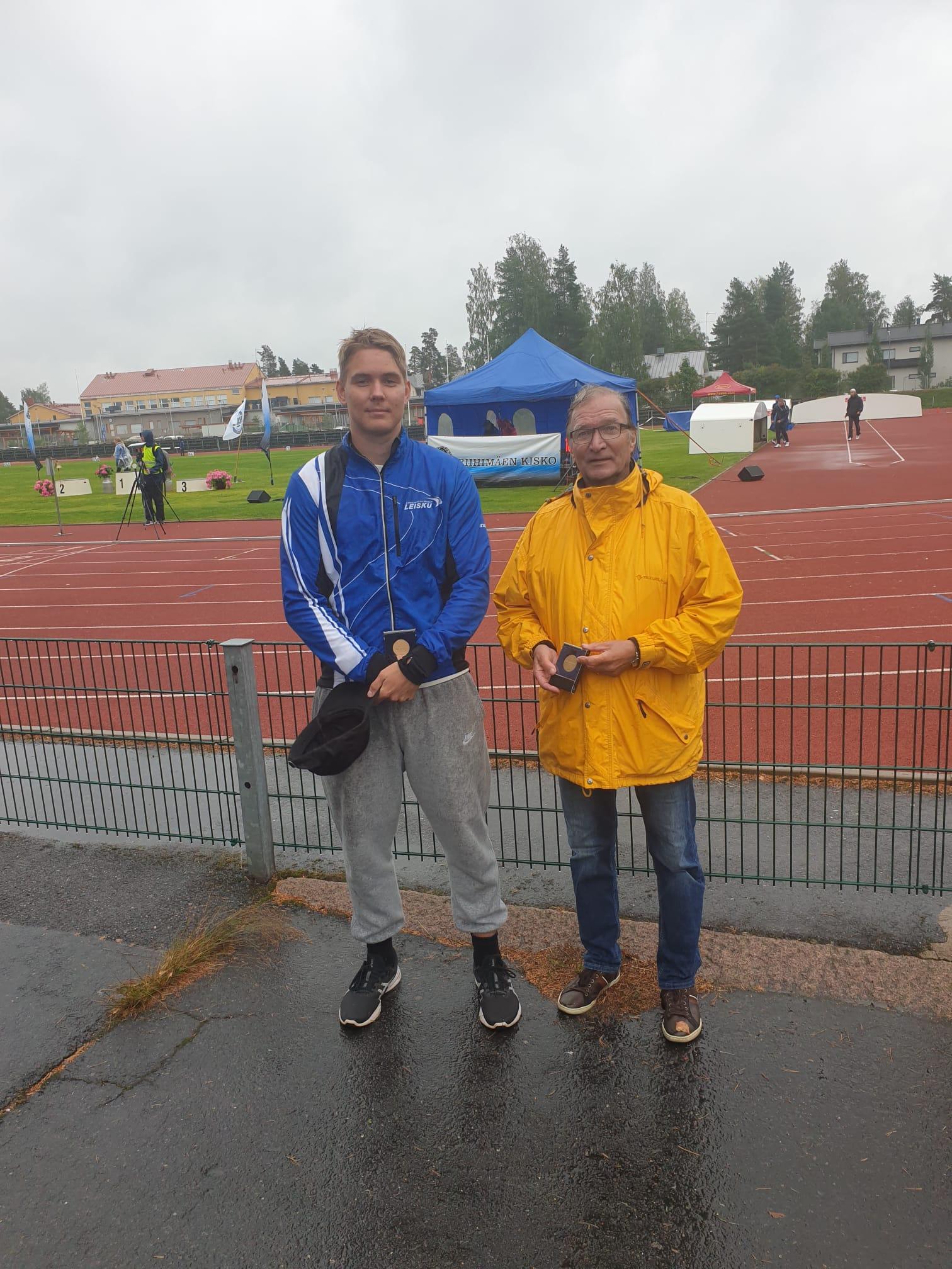 Kosti Saine ja valmentaja Voitto Juhala